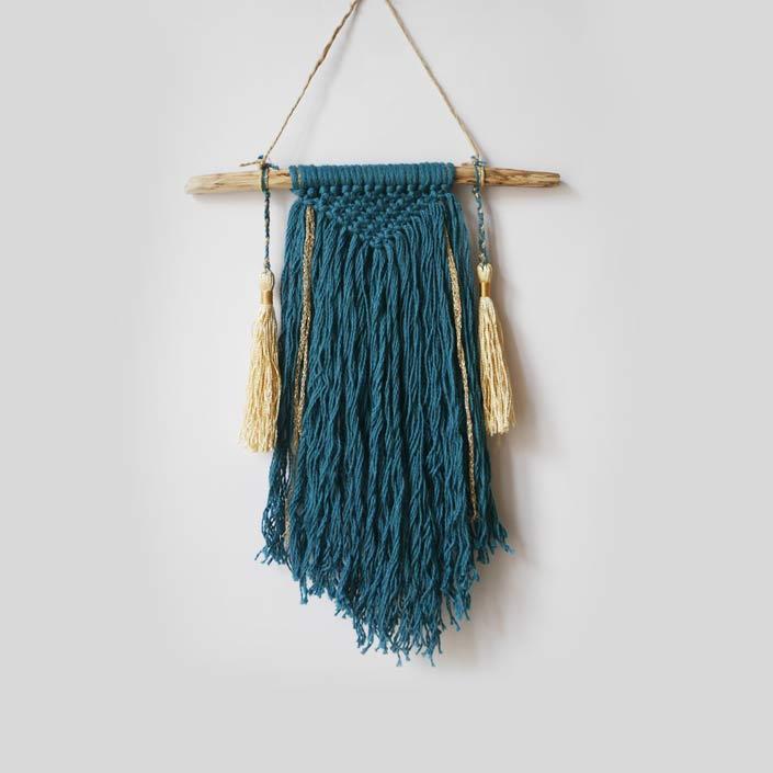 petit wall hanging bleu